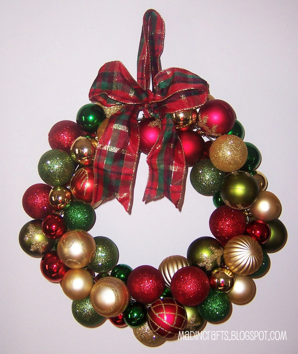 Store With Christmas Decorations: Dollar Store Christmas Wreath
