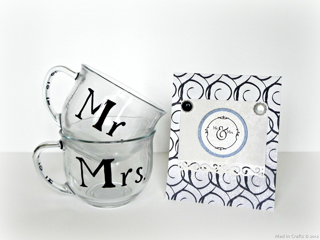 Mr And Mrs Gifts Wedding: A Black And White Wedding Gift Mad