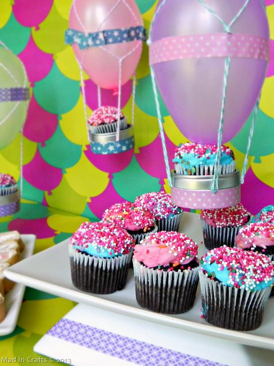 Hot-Air-Balloon-Dessert-Display_thum