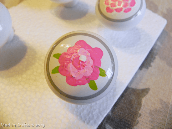 hand-painted-drawer-pull_thumb1
