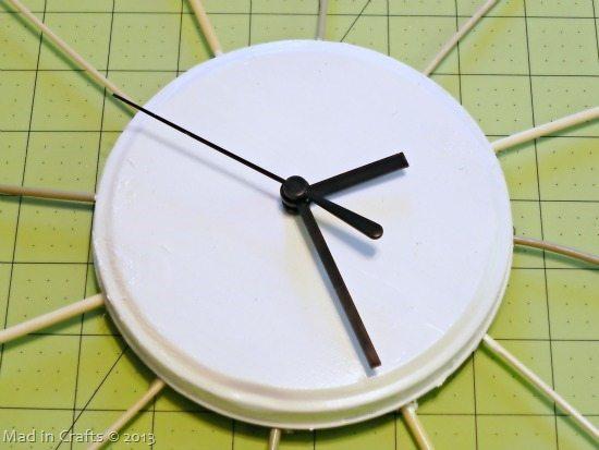 painted-tin-lid_thumb1