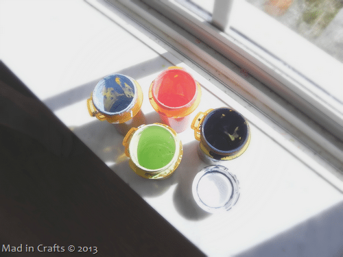 storing-mixed-paint-colors_thumb1