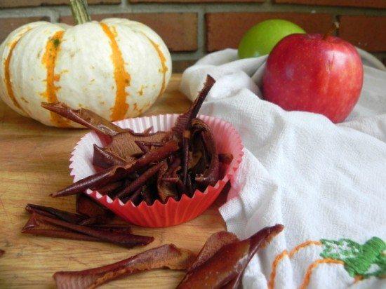 Baked Cinnamon Apple Peels - Mad in Crafts