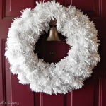 winter-pom-wreath_thumb1