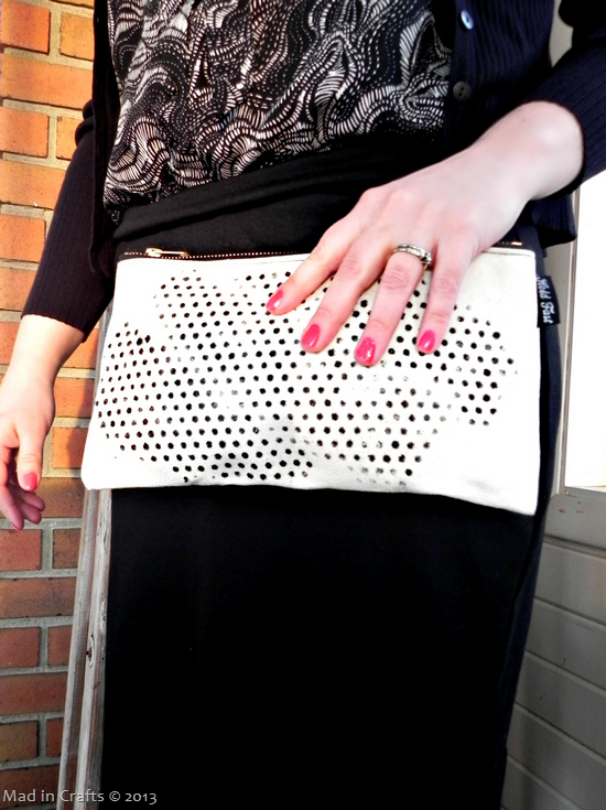 glitter-dot-clutch_thumb3