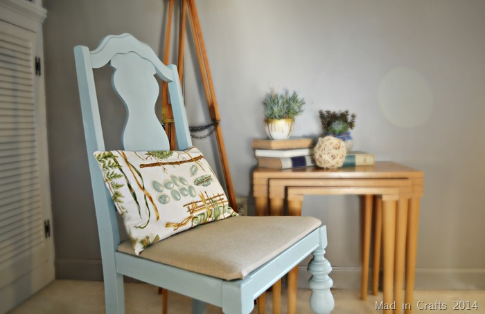SIMPLE CHAIR MAKEOVER WITH CHALKY PAINT
