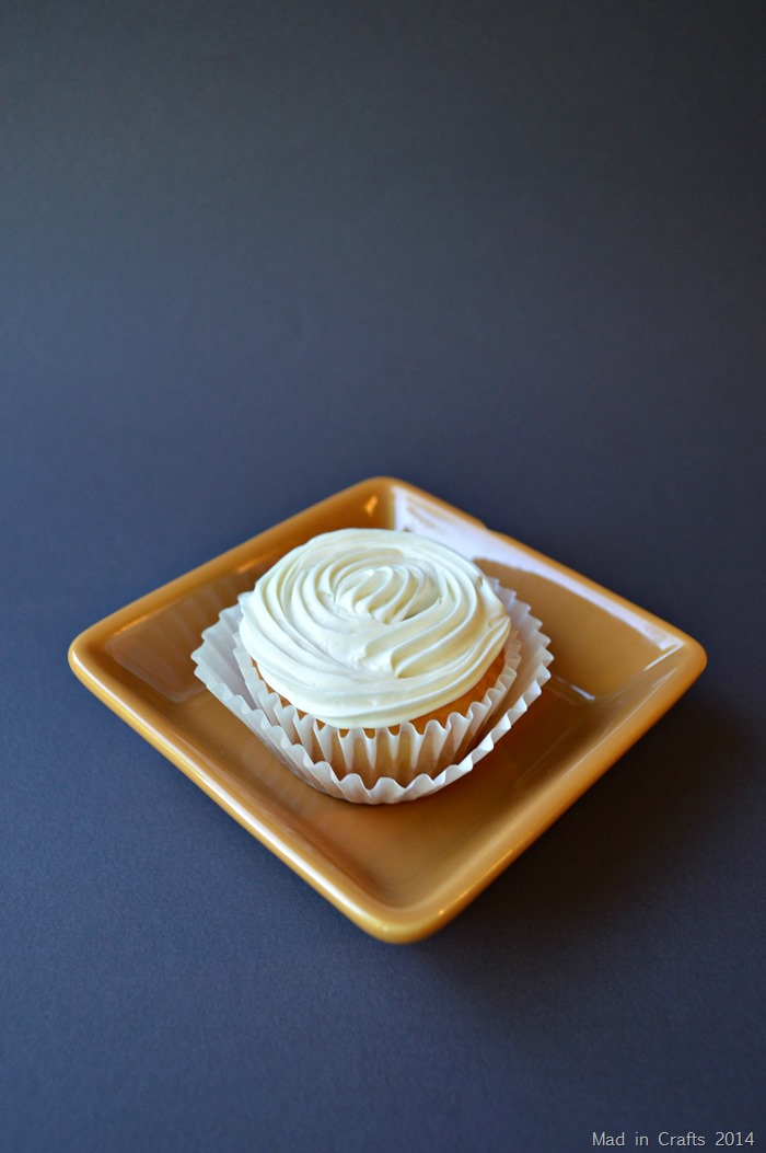 Frosted Cracker Jack Cupcake