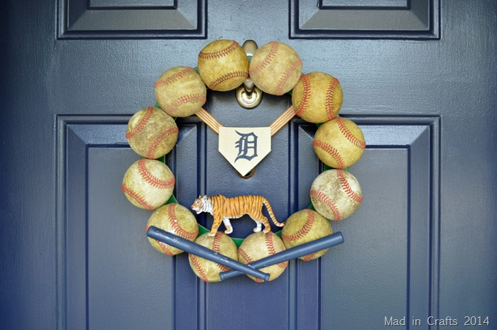 MAKE A DETROIT TIGERS BASEBALL WREATH