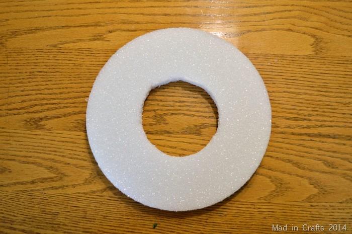 wreath form from foam disc