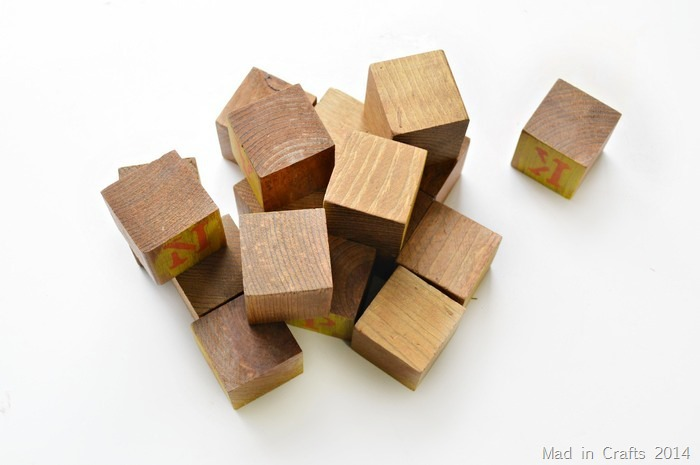 Wooden blocks Mad in Crafts