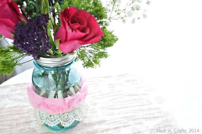 ribbon around mason jar