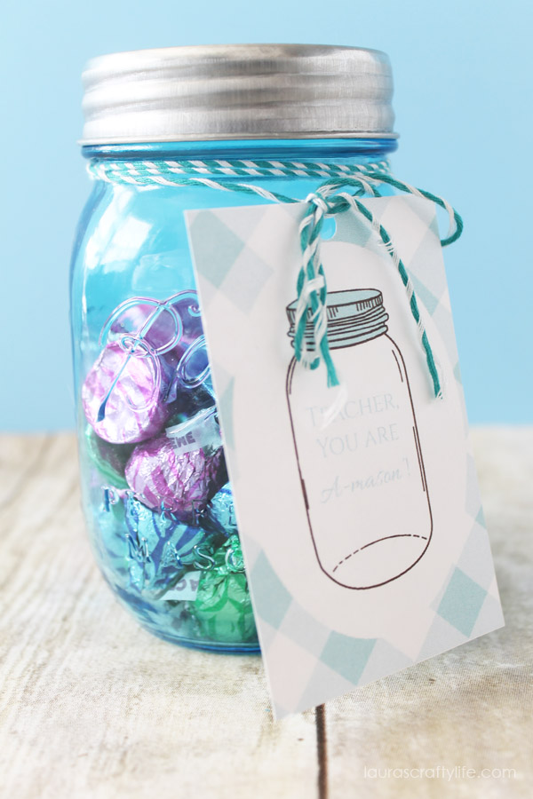 Candy-Treat-Mason-Jar-Teacher-Appreciation-Gift