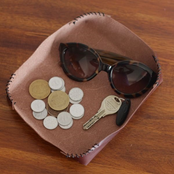 diy-leather-catchall-from-www.alyssaandcarla.com_