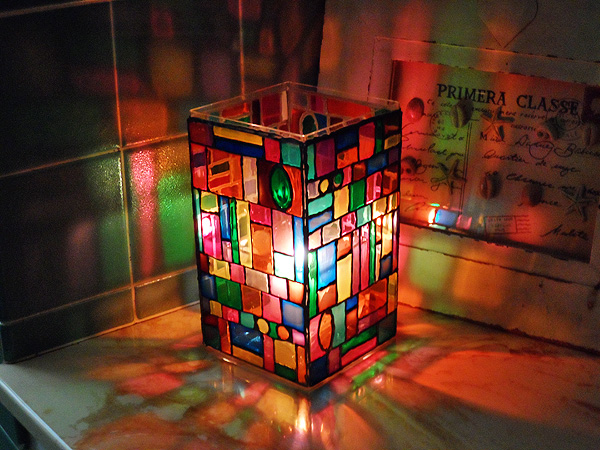 faux-stain-glass-luminary-g