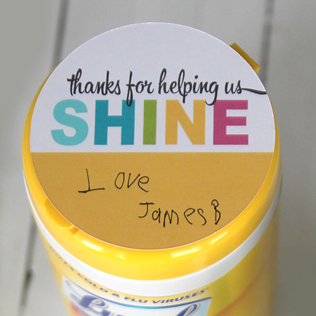 teacher-appreciation-gift-idea-cheap-easy-cute-practical-cleaning-wipes
