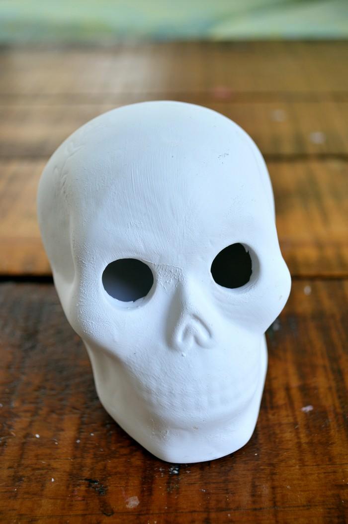 dollar-store-ceramic-skull