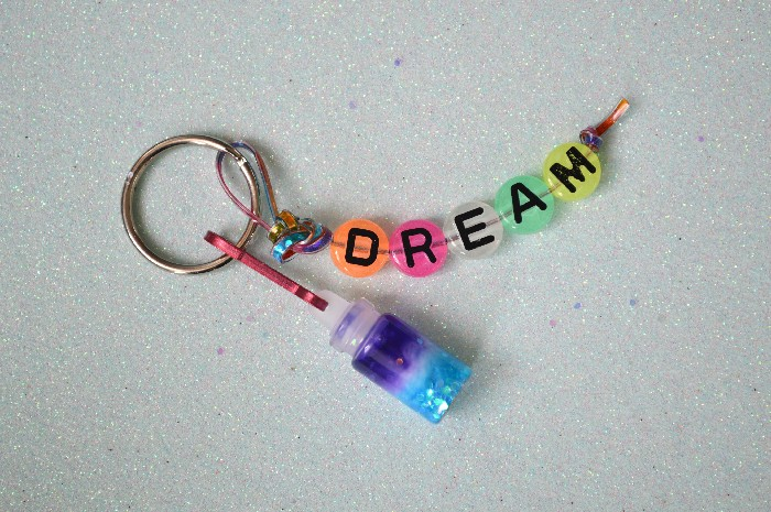 KIDS CRAFT: DREAM IN A BOTTLE KEY CHAIN