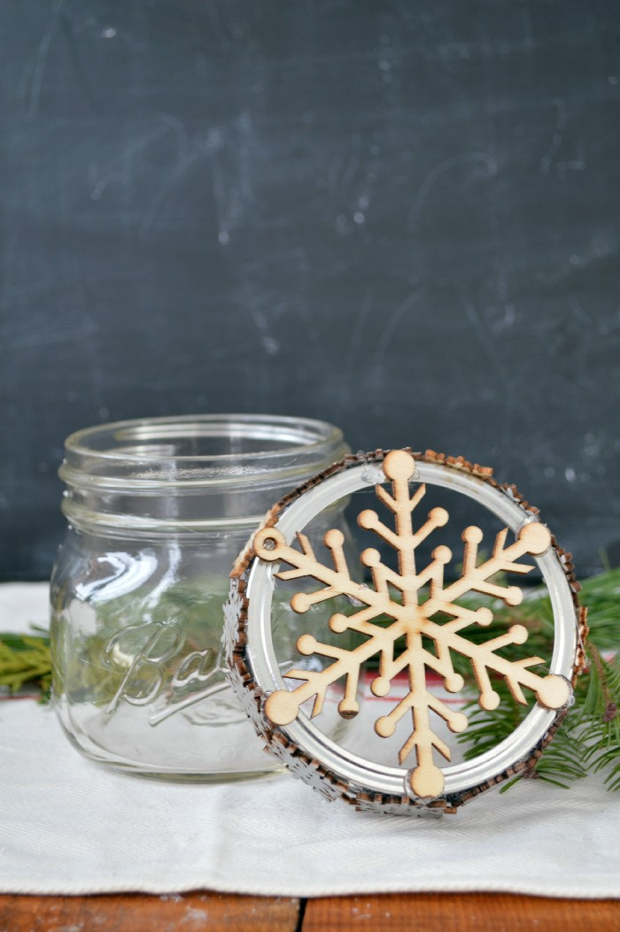 add-snowflake-to-mason-jar