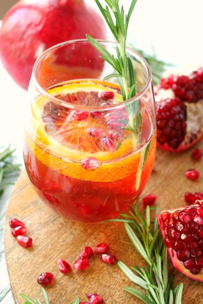 FESTIVE HOLIDAY COCKTAILS - Mad in Crafts