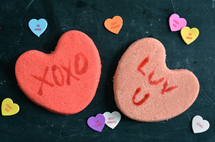 CONVERSATION HEART BATH BOMBS