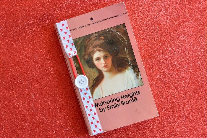 valentines-day-ribbon-bookmark