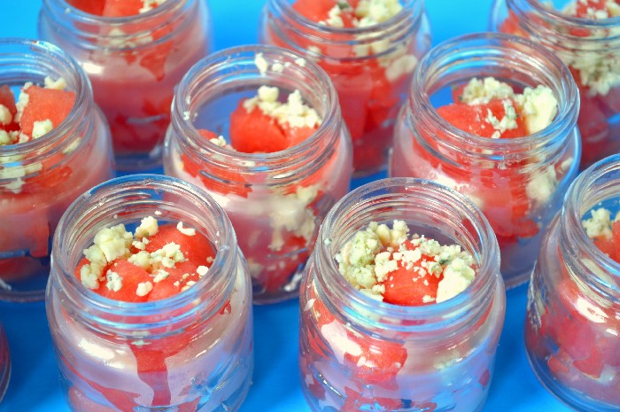 RED, WHITE & BLEU MINI MASON JAR SALADS