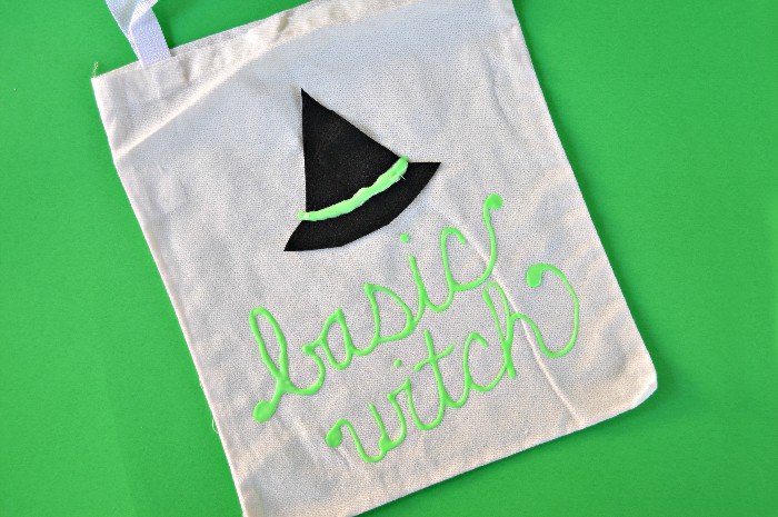 TRICK OR TREAT TOTE: GLOW IN THE DARK