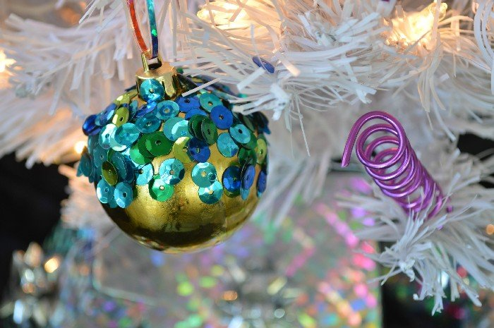 HOW TO MAKE WIRE SQUIGGLE ORNAMENTS - Mad in Crafts