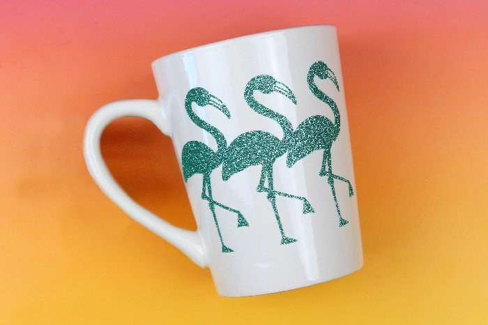 GLITTERY FLAMINGO MUG WITH IRON-ON VINYL