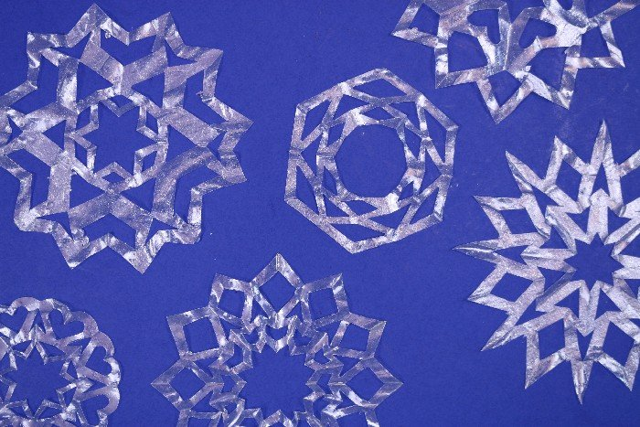 TRANSPARENT COFFEE FILTER SNOWFLAKES
