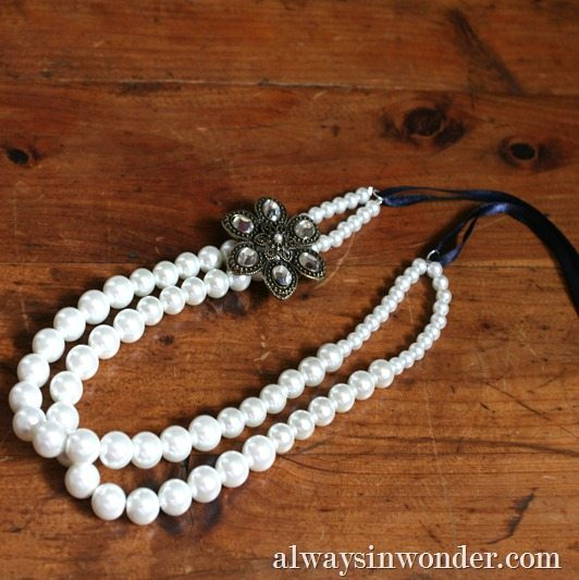 How to Make a Betty Draper-Inspired Pearl Necklace