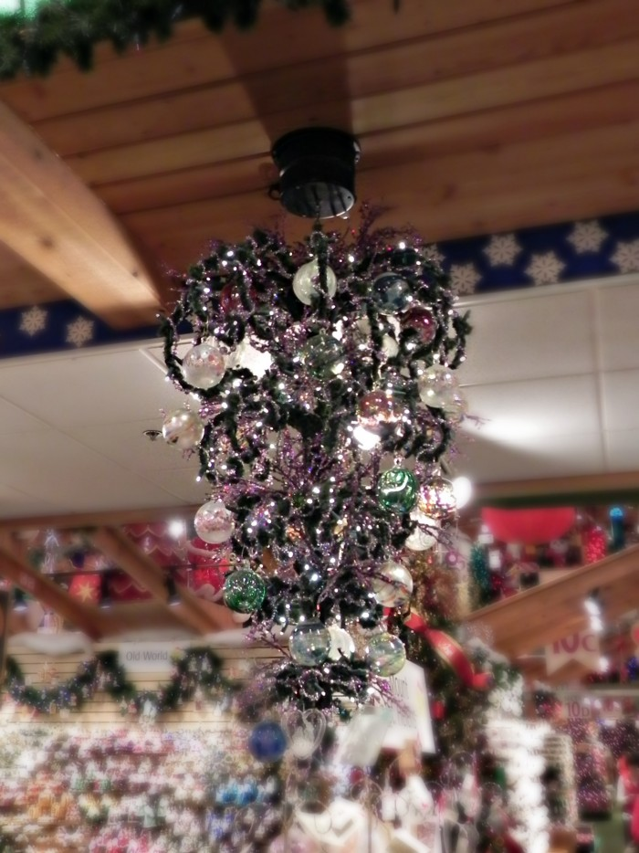 bronners chandelier tree