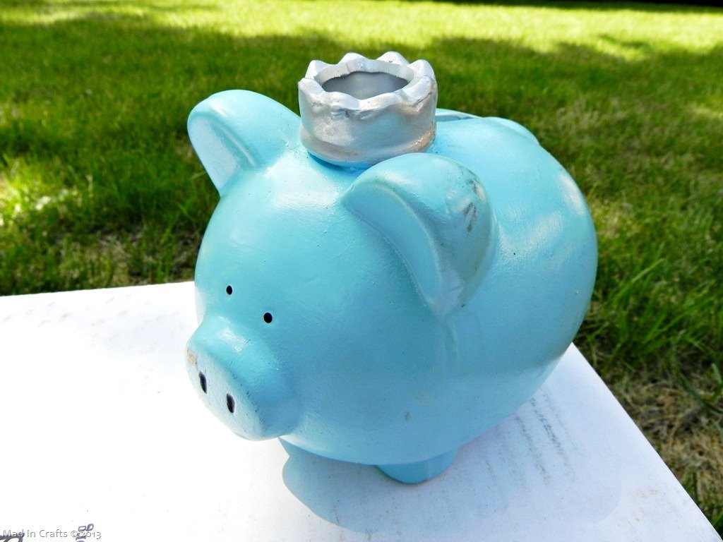 When Pigs Fly (A Dollar Store Piggy Bank Tutorial)