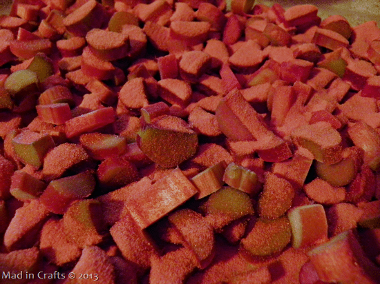 sprinkle-jello-on-rhubarb_thumb1