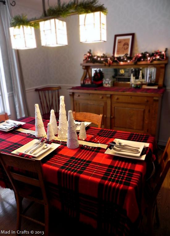 dining-room-table_thumb1_thumb-25255B1-25255D