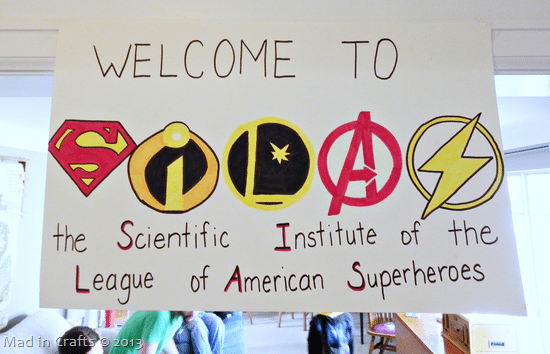 superhero-party-welcome-sign_thumb1