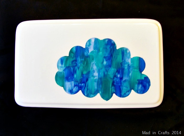 RAINCLOUD PLATTER WITH SHAPE TAPE