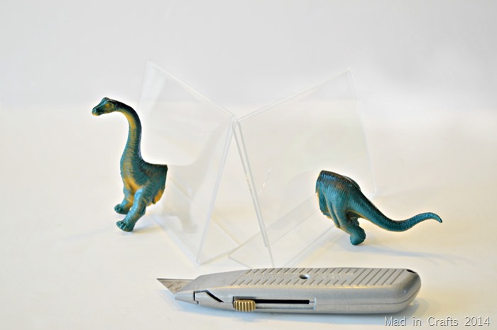 DSC_0014Plastic Animal Bookends match ends to frame