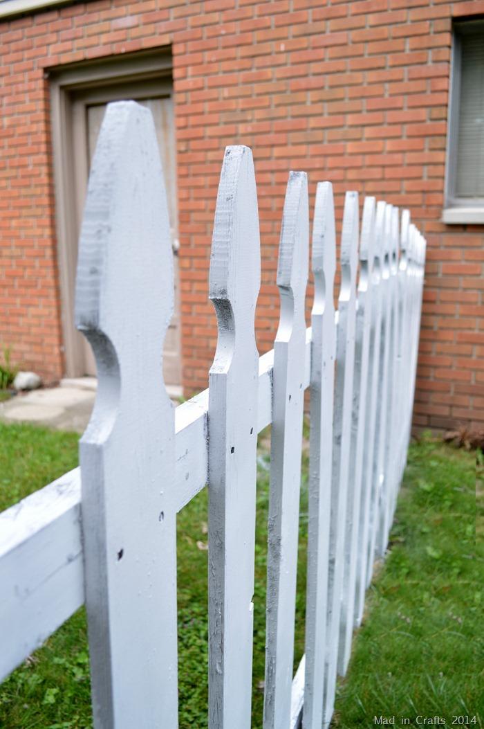 Plutonium Spray Painted Fence