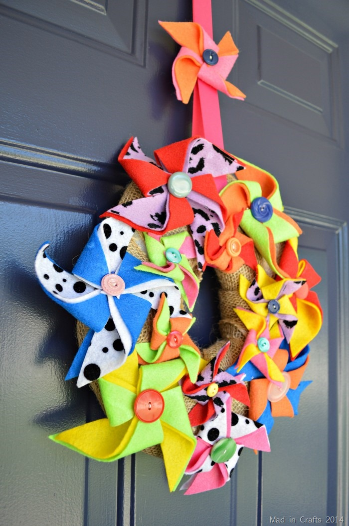 Felt Pinwheel Wreath