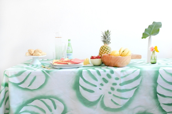DIY_tropical_leaf_tablecloth_5