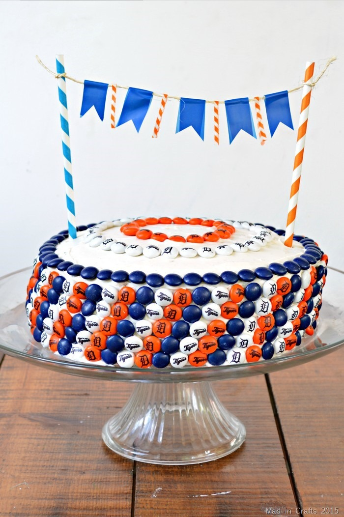 DETROIT TIGERS M&M CAKE