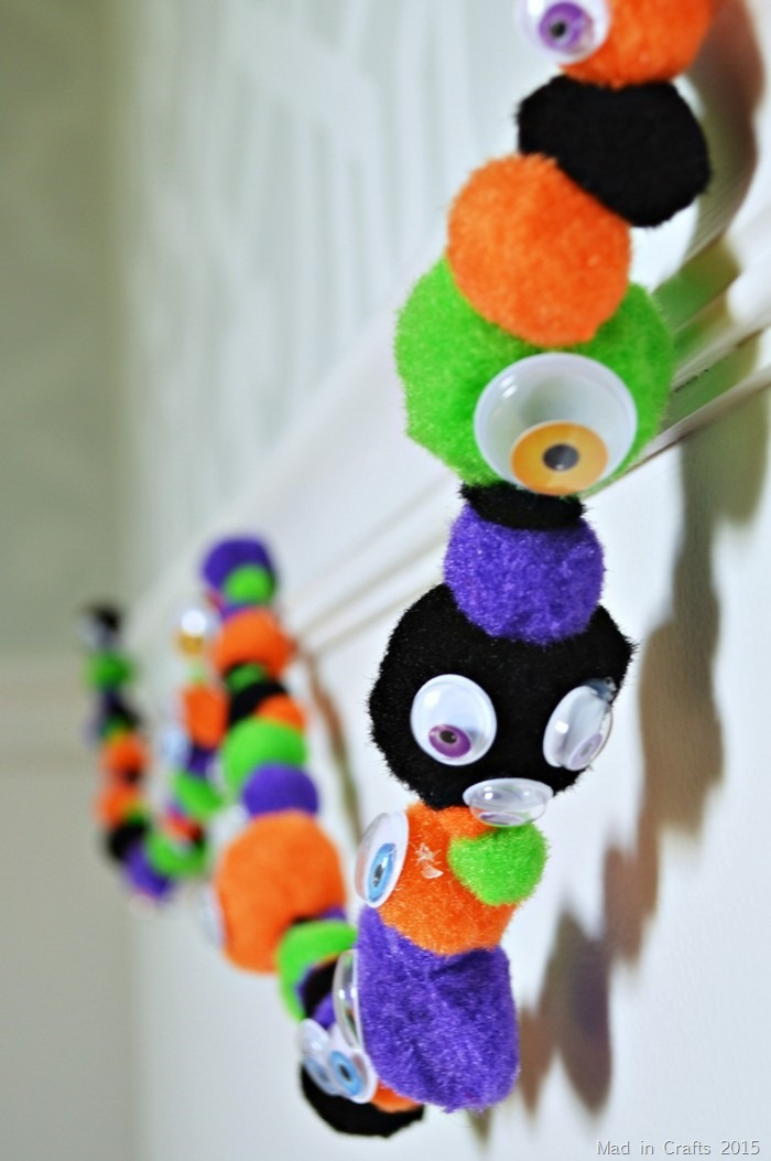 halloween google eye garland