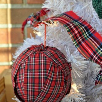 15 MINUTE PLAID RAG ORNAMENTS