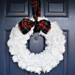 FRAYED PLAID BOW WREATH HANGER