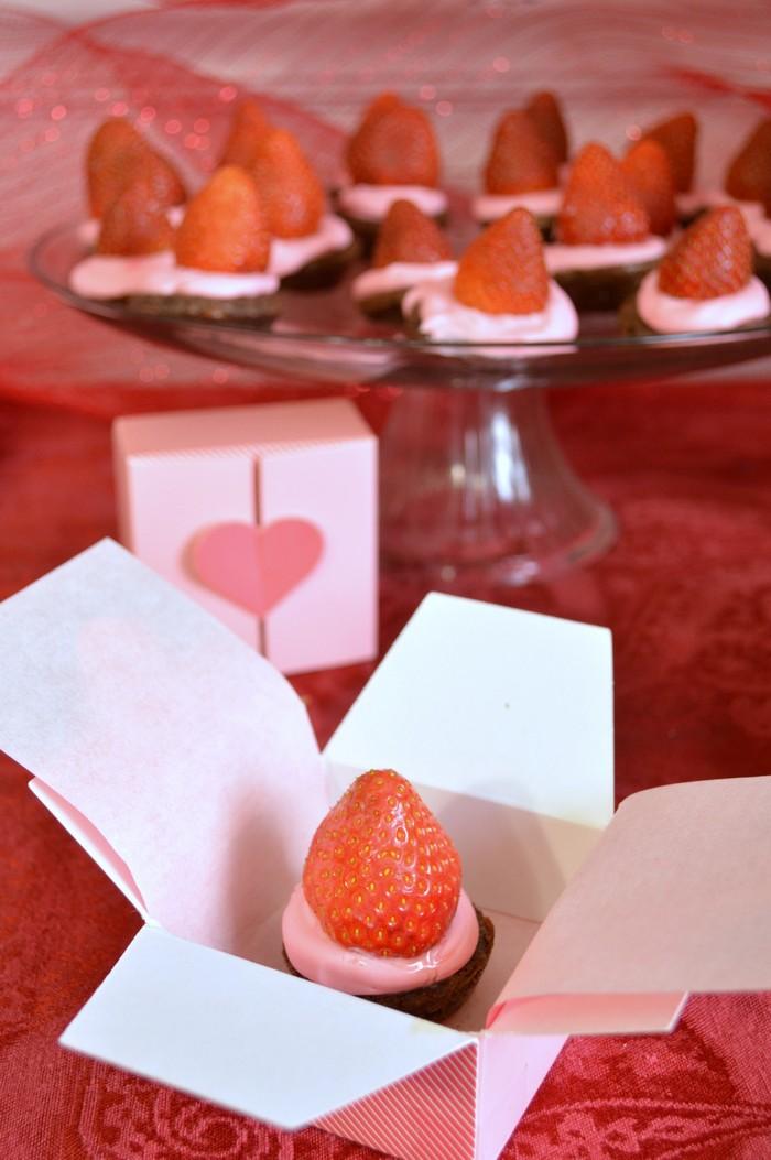 Strawberry brownie bites for valentine's day