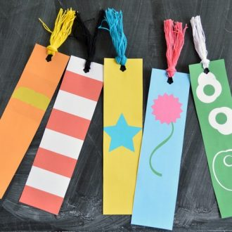 MINIMALIST DR. SEUSS BOOKMARK PRINTABLES