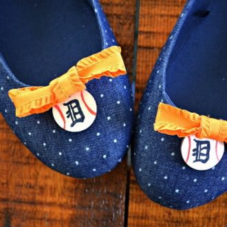 Close up of Detroit Tigers baseball flats