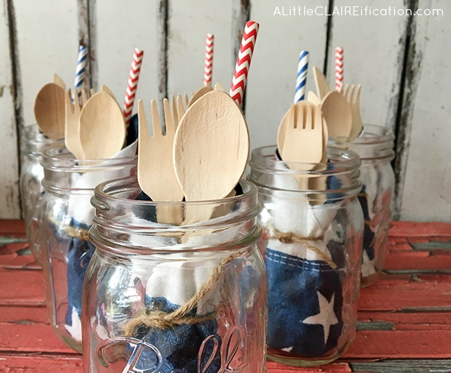 4th-Of-July-Party-Picnic-Jars-these-all-in-one-jars-are-a-perfect-addition-to-any-summer-party-1