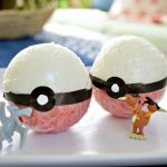 SIMPLE POKEBALL BATH BOMB
